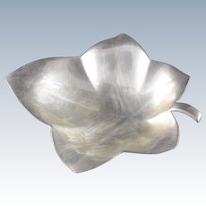 Sterling Silver Tiffany & Co. Leaf Serving Dish #23159    [QWXF]