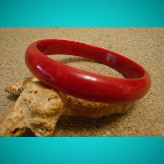 """Vintage 7/16"""" Bakelite Bracelet; """"Domed"""" Shape; Marbled Ruby Red/Cream Colors!"""