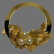 """Sarah Coventry """"Endearing"""" Brooch"""
