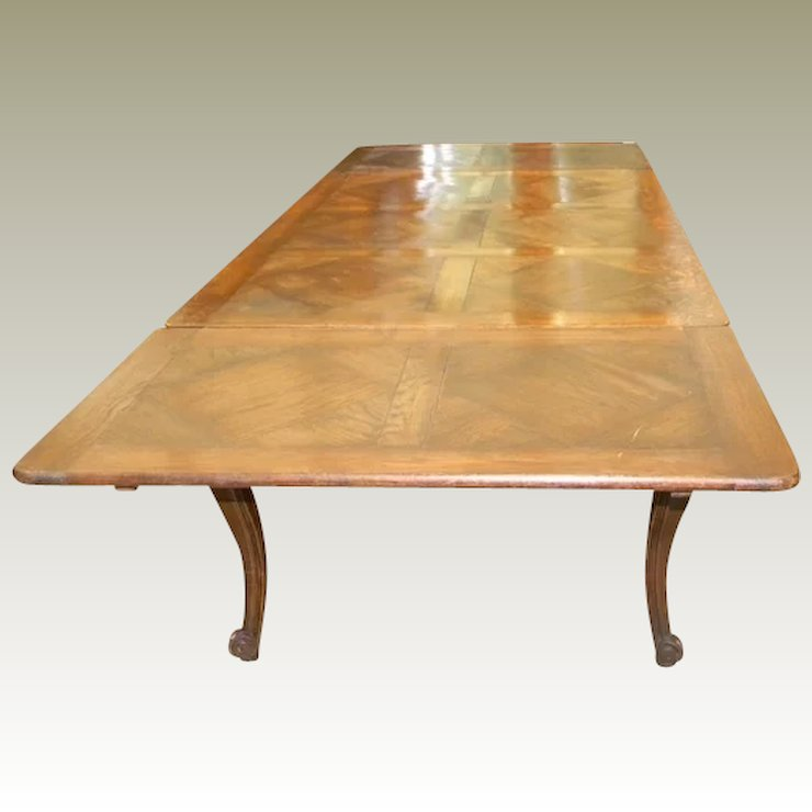 Antique French Provincial Dining Table With Leaves