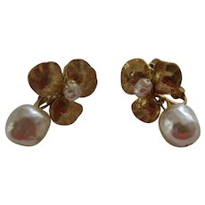 MIRIAM HASKELL 3 Leaf Clover and Simulated Baroque Pearl Drop Earrings