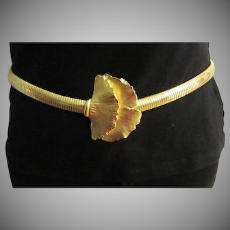 Great Lotus Clasp Goldplated Stretch Belt. c. 1980's