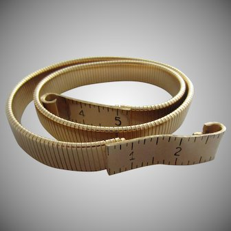 ACCESSOCRAFT Novelty Tape Measure Goldplated Stretch Belt, c. 1980's