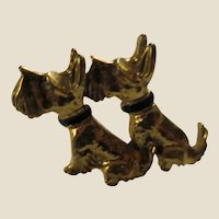 Pair of Cute Seated Scottish Terrier Dogs in Goldtone Metal