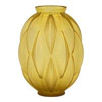 "French Art Deco Sabino ""24 Pirogues"" Vase, 1929"