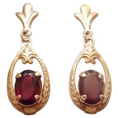 Gorgeous Vintage 14kt Yellow Gold & Garnet Dangle Drop EARRINGS