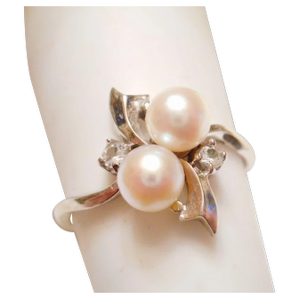 1950s Vintage 14kt WHITE Gold Cultured Pearl & White Sapphire Cocktail RING