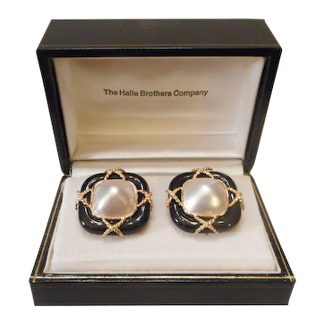 ITALIAN Designer Vintage 14kt Yellow Gold Cultured Mabe Pearl & Black Onyx Clip EARRINGS