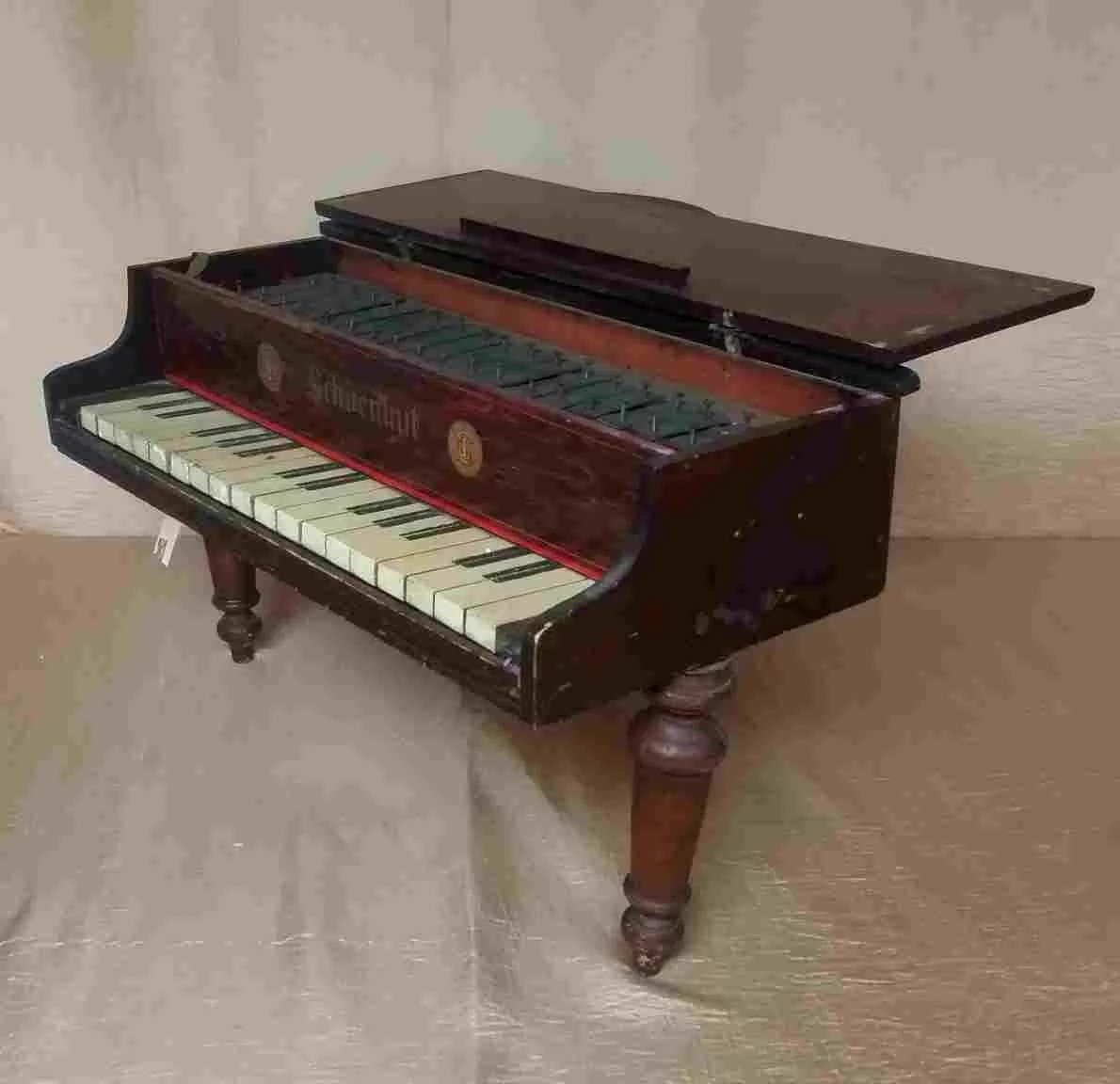 Christmas Sale Schoenhut Baby Grand Toy Piano Glockenspiel