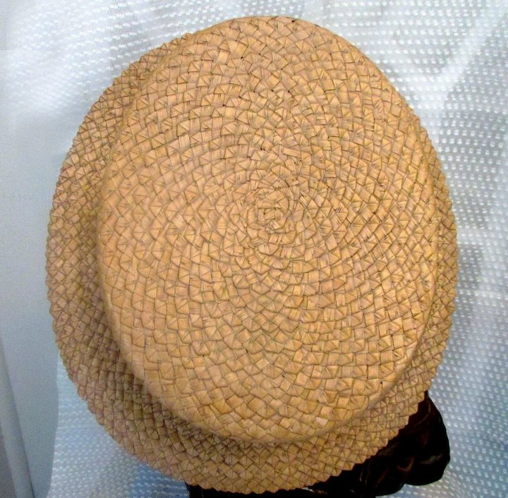 d81ab57429ea6 VINTAGE MEN S STRAW BOATER HAT PETERSHAM RIBBON BY DISNEY HATTER CO. 1920S