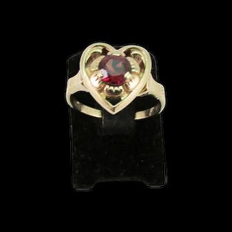 Vintage Ladies Garnet Ring