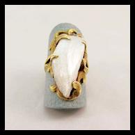 Ladies Elongated Baroque Pearl Ring