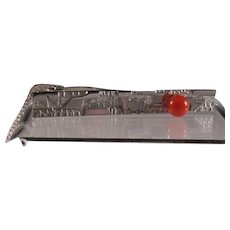 Japanese Retro Men's Silver Tone Bar Tie Clip with Faux Coral Bead