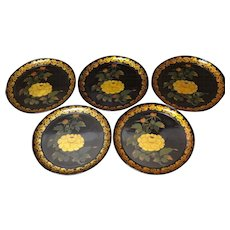 Japanese Vintage Set of Five Urushi Lacquered Wood Plates with Gold Maki-e 蒔絵