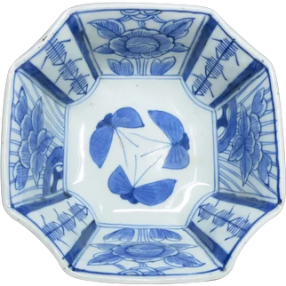 Japanese Antique Meiji Imari Octagon Blue-and-white Porcelain Bowl with Butterfly Chou 蝶