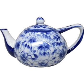 Japanese Vintage Seto yaki Porcelain Teapot for Sencha Beautiful Flower Painting