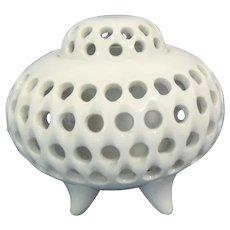 Japanese Vintage Arita-yaki  有田  White Porcelain Censer Incense Burner Circular Open Work
