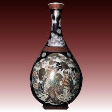 Fine Japanese Porcelain Daishoji Imari Kutani Vase by Juhachi 九谷重八.