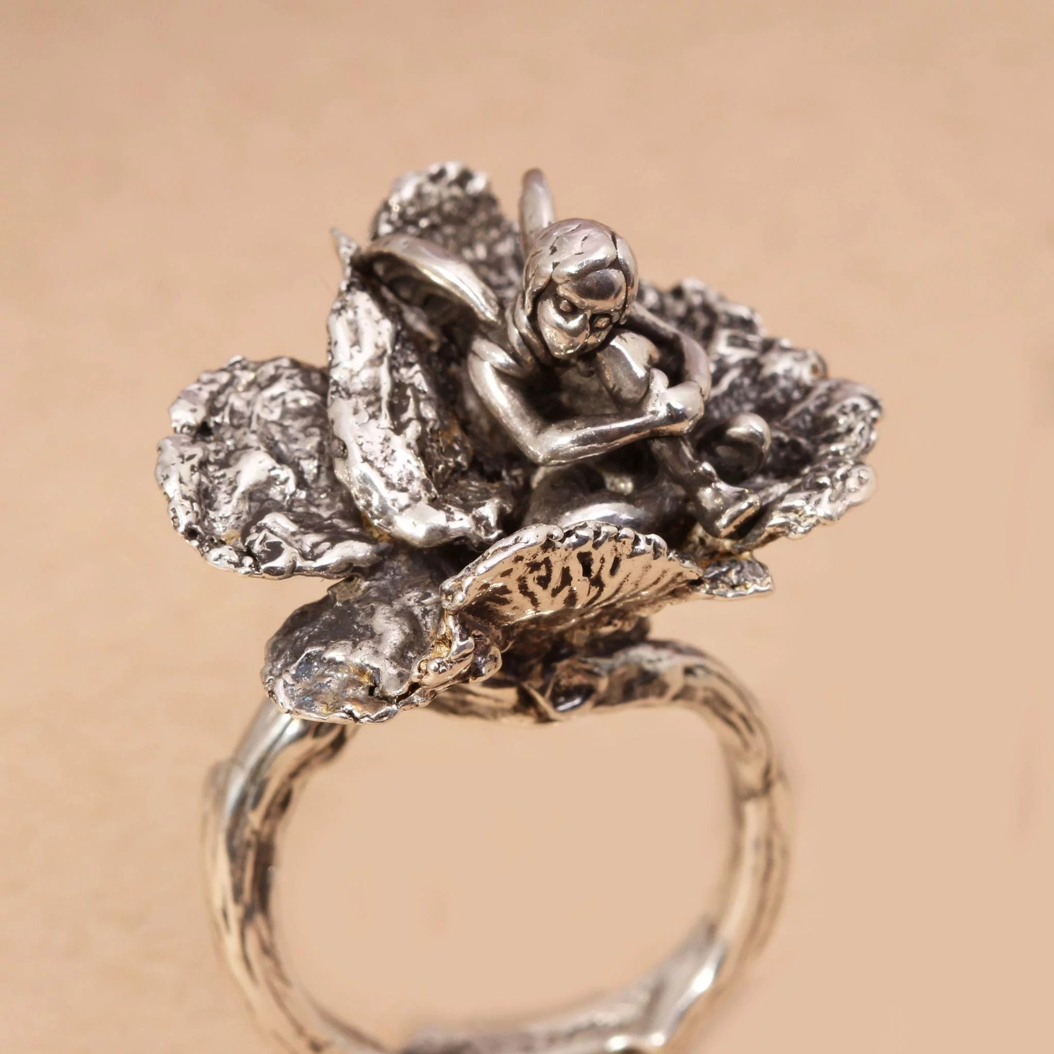 Ring tree jewelry forecast to wear in autumn in 2019