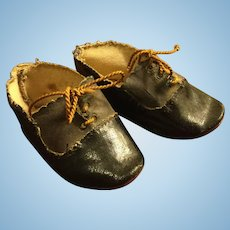 2 Tone German Doll Shoes with Ties c.1900