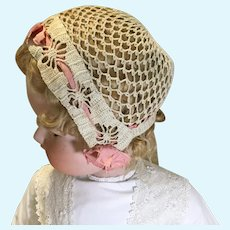 1920s Crochet Cloche Style Bonnet w/Original Silk Ribbons/Rosettes