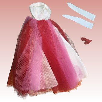 Beautiful vintage Barbie Campus Sweetheart Outfit