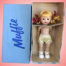 Gorgeous MINT in box Muffie Pigtails Bent Knee 1950's
