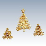 Vintage Signed MYLU Christmas Tree Pin/Brooch Earrings Set, 22k gold plate, AB Rhinestones, Faux Pearls ~ GORGEOUS !