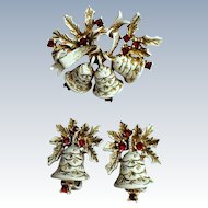 Signed Vintage DODDS White Christmas Bell Pin/Brooch Earrings Set ~ Collectors BOOK PIECE