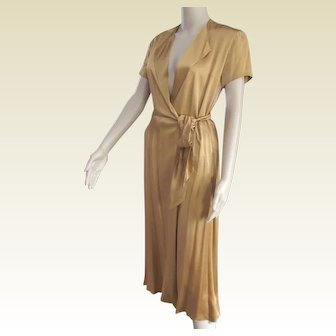 Beautiful Vintage Classic Gold Silk Calvin Klein Evening Dress.