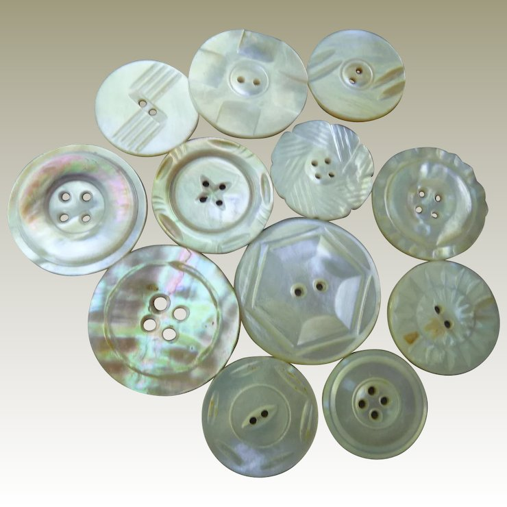 Twelve Wonderful Carved Vintage Mother Of Pearl Buttons Hiptobeold