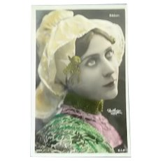 Vintage French Postcard of a beautiful Lady.