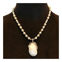Imitation Pearl & Resin Shell Pendant Necklace