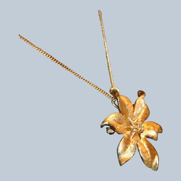 14K Gold Flower Pendant Brooch & Chain