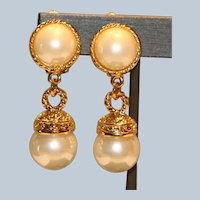 Imitation Mobe' Pearl Clip Earrings