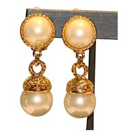Imitation Mobe' Pearl Clip Earrings