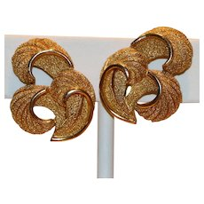 Vintage Trifari Gold Tone Textured & Polished Swirl Clip Earrings 7/8 inch