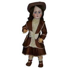 Antique charming  Bahr and Proschild 225 doll