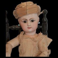 Bourrelet for cabinet size doll