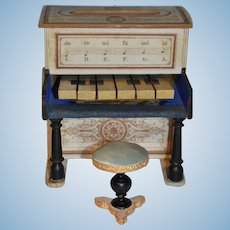 Early piano and stool for your little doll