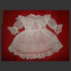 Wonderful fine cotton 1880 dress for french bébé
