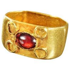 Rare Roman Gold ring with gem stone, 4th.-6th. century AD.
