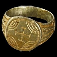 Great wearable Byzantine silver ring w cross, 12th.-14th cent. AD