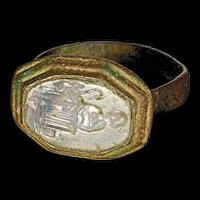 High Quality Roman bronze seal ring w. Rock crystal intaglio!