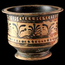 Greek Boeotian black figure cup with palmettes. Late 6th century B.C.