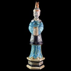 An XL - 49 cm - Ming dynasty pottery figure af an attendant 1368-1644!