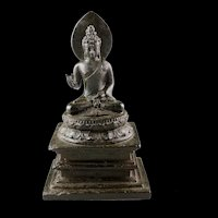 Museum Quality bronze figure of Buddha on a throne, 9th. century AD!