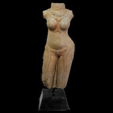 Massive museum quality Hindu greystone figure of Yakshi, c.10th. cent
