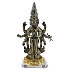 Fine early Sino-Tibetan bronze buddha, 17th.-18th. century!