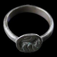 Choice Byzantine silver seal ring w Feline animal, 8th.-10th. cent AD